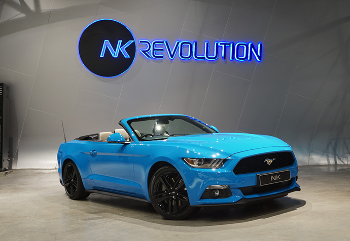 MUSTANG ECO BOOST CONVERTIBLE